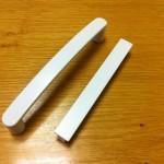 Uchytky-biela-praskova-farba